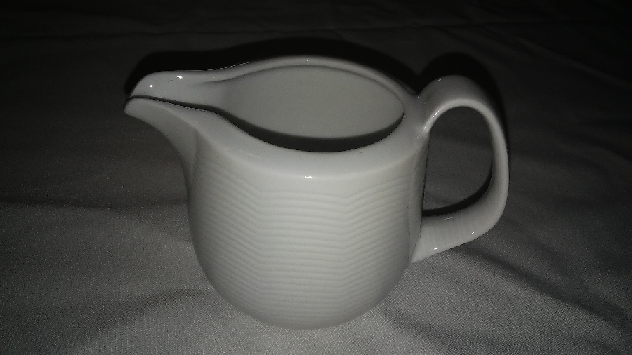 101-party-hire--crockery-hire--milk-jug-s