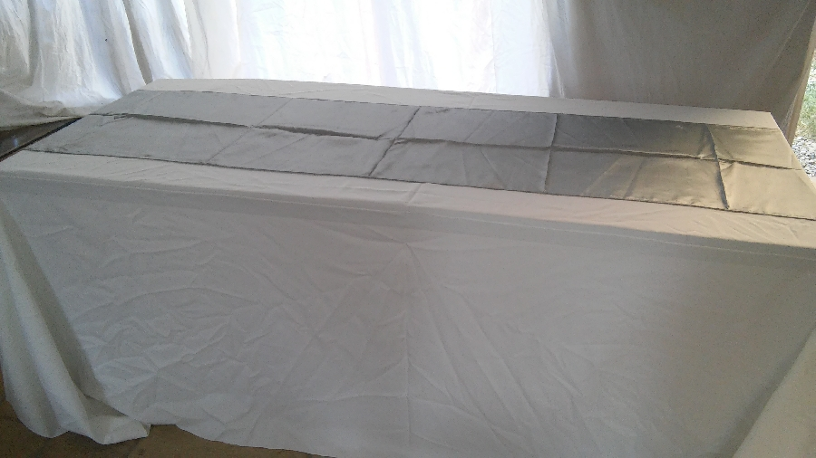 101-party-hire--table-linen-hire--table-runners-taffeta-&amp-taffeta-flocked